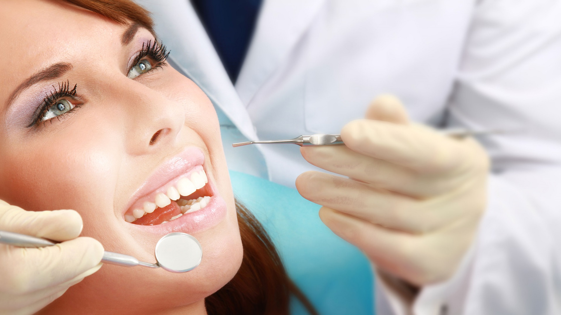 Cosmetic Dentist in Sant Nagar